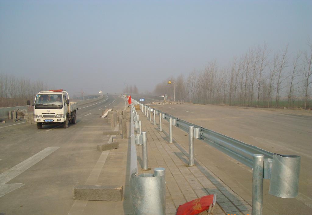 宁都县S448线安全生命波形护栏安装工程