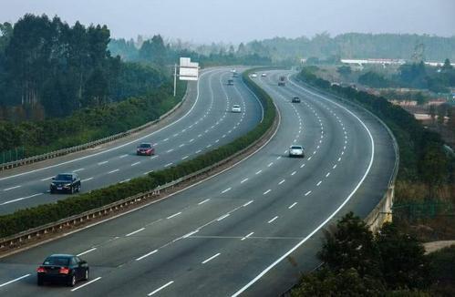 信梧高速公路(苍梧段)项目成为苍梧新县城建设的重大项目之一