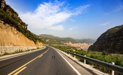 陕西韩城至黄龙高速公路项目正式动工建设